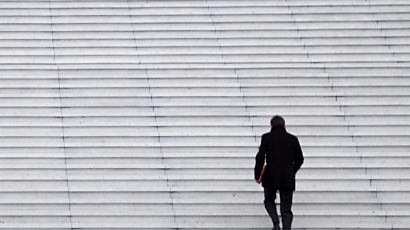 20151230184722-up-stairs-business-work-person-man-climbing-building-progression-success-challenge-achievement-motivation-walkin